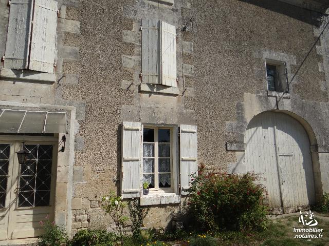 Vente - Maison - Châteauneuf-sur-Charente - 150.00m² - 6 pièces - Ref : 646