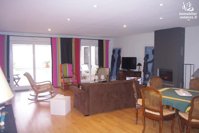 Vente - Maison - Cognac - 165.00m² - 6 pièces - Ref : 100125801