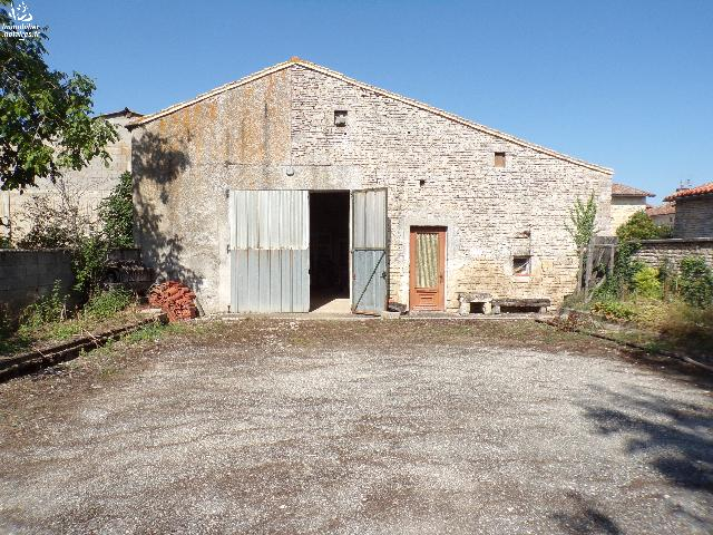 Vente - Local divers - Villefagnan - Ref : M159PR
