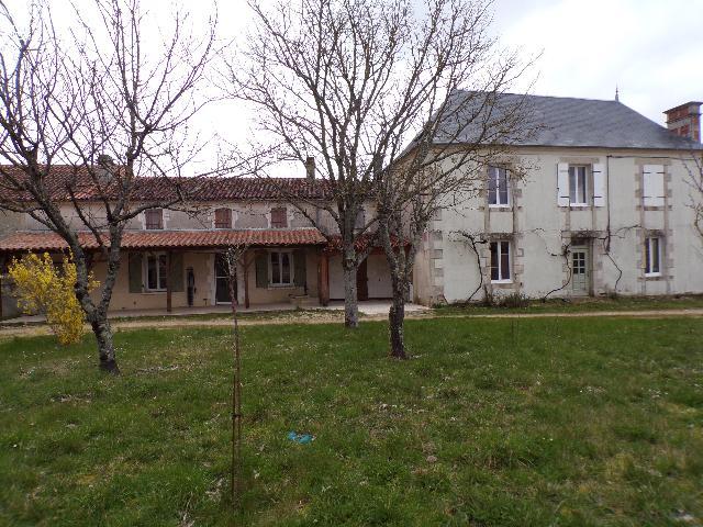 Vente - Maison - Courcôme - 170.00m² - 8 pièces - Ref : M164DE