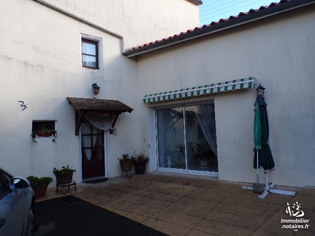 Vente - Maison - Villefagnan - 110.00m² - 5 pièces - Ref : 0M219JO