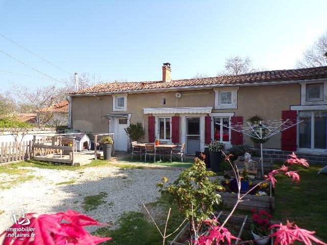 Vente - Maison - Villefagnan - 116.00m² - 5 pièces - Ref : M225DE