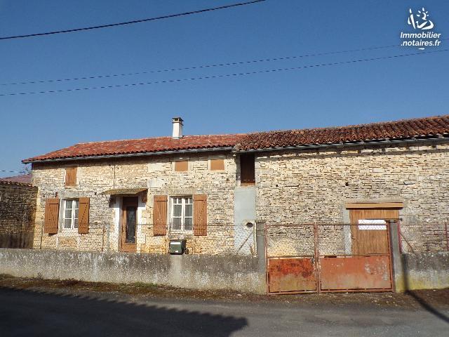 Vente - Maison - Nanteuil-en-Vallée - 70.23m² - 3 pièces - Ref : M230BE