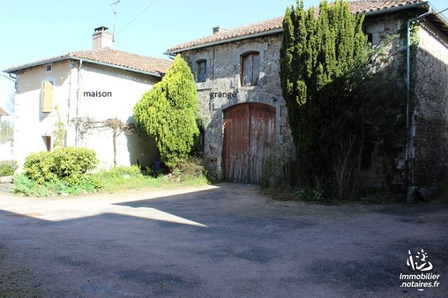 Vente - Maison - Chabrac - 255.0m² - 9 pièces - Ref : C749