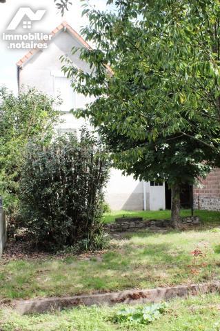 Vente - Maison - Chabanais - 144.0m² - 7 pièces - Ref : C787