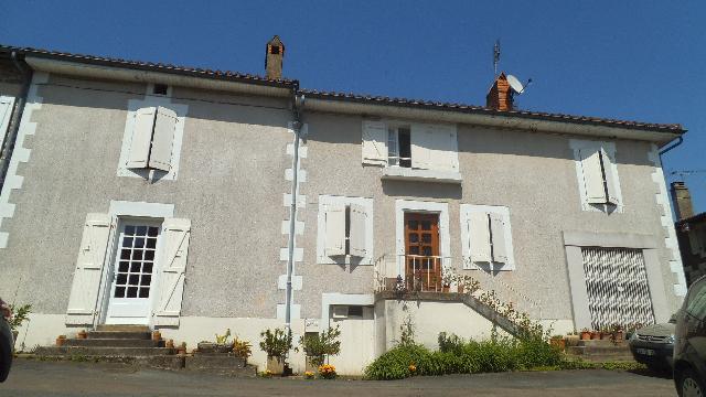 Vente - Maison - Suris - 145.00m² - 6 pièces - Ref : C248