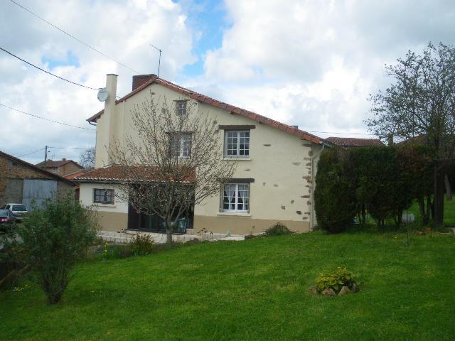 Vente - Maison - Chabanais - 135.00m² - 5 pièces - Ref : EC256