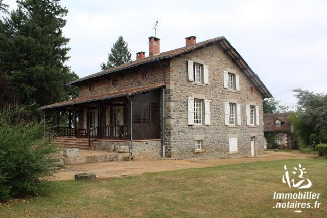 Vente - Maison - Chabanais - 220.00m² - 10 pièces - Ref : EC172