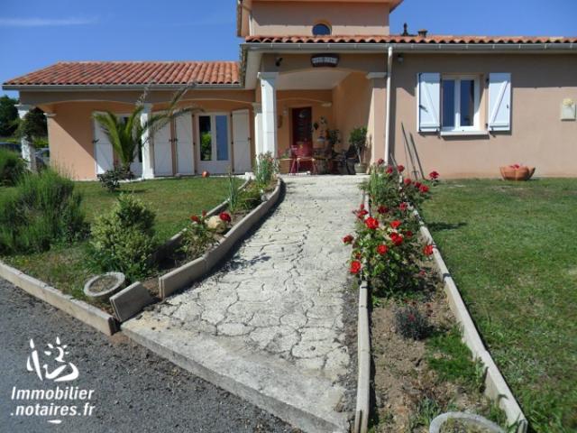 Vente - Maison - Exideuil - 147.00m² - 5 pièces - Ref : EC272