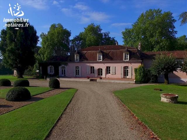 Vente - Maison - Saint-Maurice-des-Lions - 500.00m² - 20 pièces - Ref : EC116