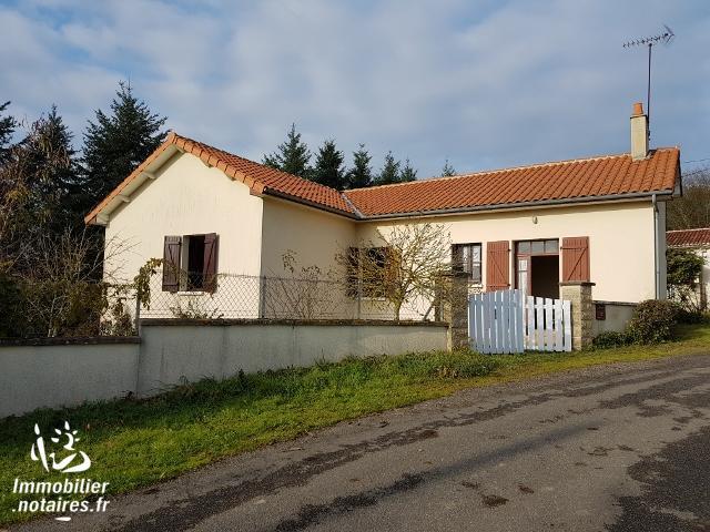 Vente - Maison - Péruse - 77.00m² - 5 pièces - Ref : EC119