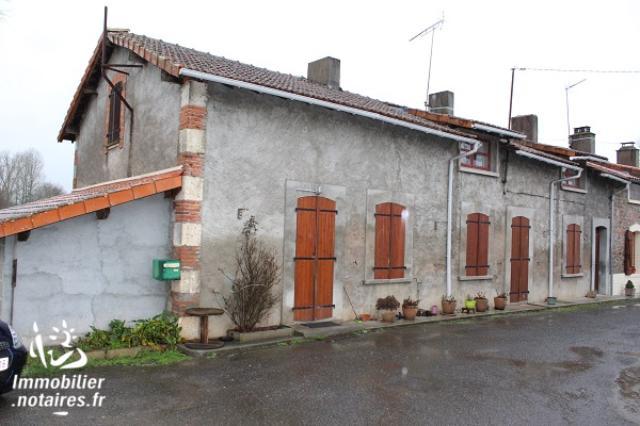 Vente - Maison - Exideuil - 156.00m² - 8 pièces - Ref : EC300