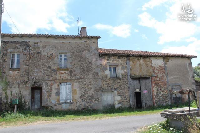 Vente - Maison - Oradour-Fanais - 130.00m² - 5 pièces - Ref : EC345