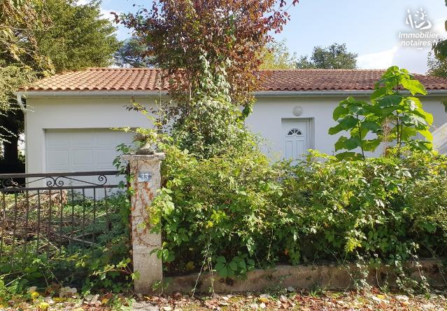 Vente aux Enchères - Maison - Jonzac - 80.0m² - 4 pièces - Ref : 201033VAE019