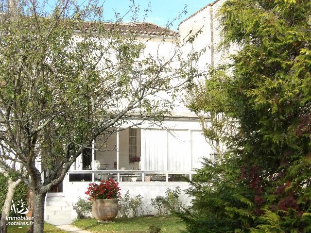 Vente - Maison - Matha - 150.00m² - 9 pièces - Ref : k540*