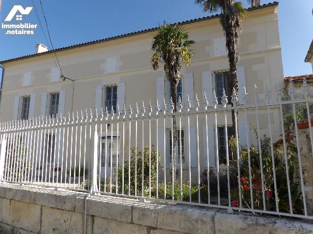 Vente - Maison - Courcerac - 250.0m² - 8 pièces - Ref : k646