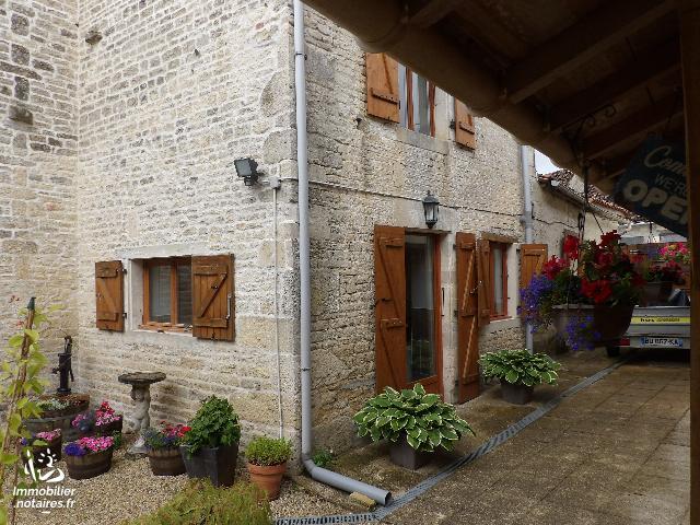 Vente - Maison - Fontaine-Chalendray - 170.0m² - 7 pièces - Ref : k384