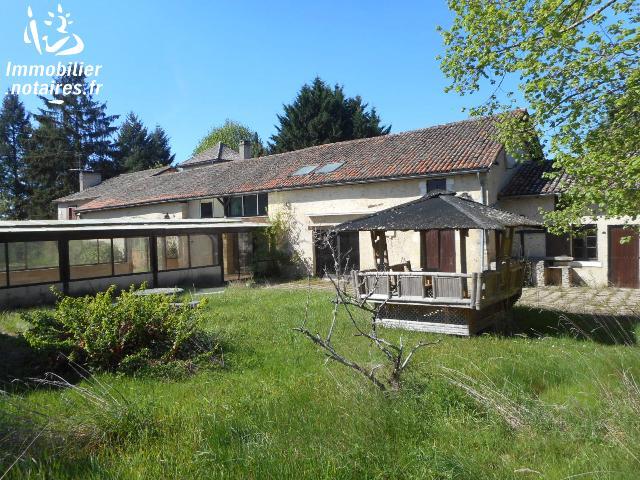 Vente aux Enchères - Maison - Marsaneix - 700.00m² - 14 pièces - Ref : 170533VAE023
