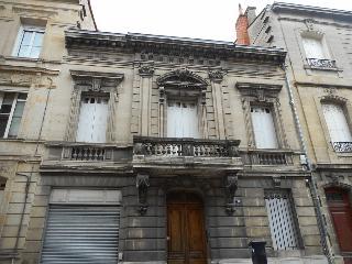 Maison / villa à vendre aux enchères - BORDEAUX (33) - 6 pièces- 300 m²