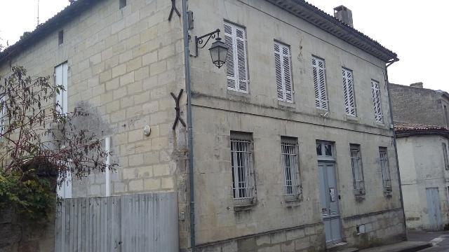 Vente aux Enchères - Maison - Bourg - 264.70m² - 8 pièces - Ref : 160433VAE031