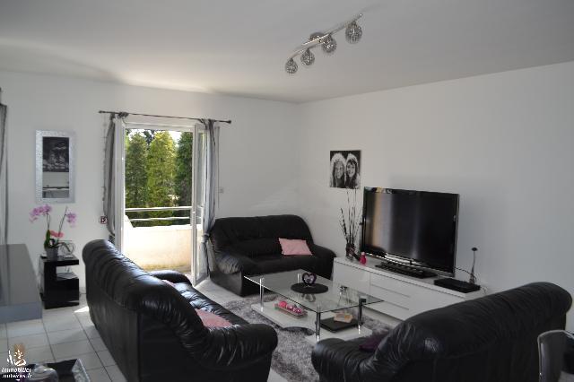 Vente - Appartement - Horme - 76.08m² - 3 pièces - Ref : APPARTEMENT 76 m²