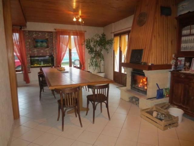 Vente - Maison / villa - VANNES LE CHATEL - 170 m² - 6 pièces - AC 97