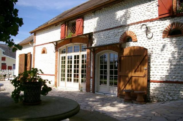 Vente - Maison - Thèze - 212.00m² - 10 pièces - Ref : WHIT