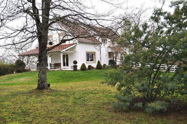 Vente - Maison - Lembeye - 193.00m² - 10 pièces - Ref : VILLJC