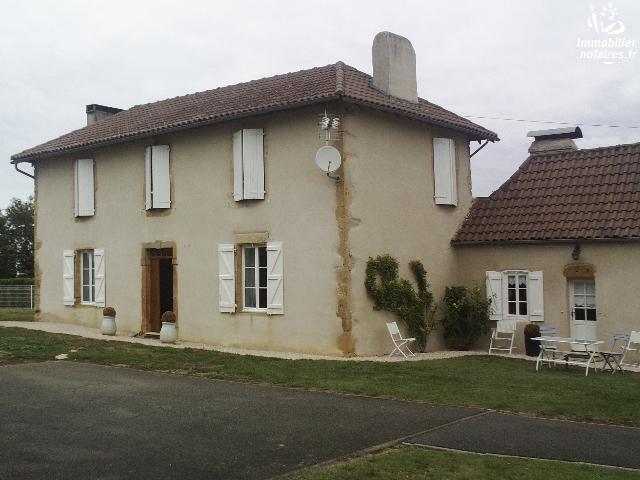 Vente - Maison - Morlaàs - 150.00m² - 6 pièces - Ref : sam