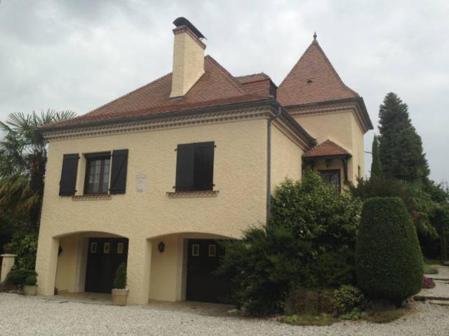 Vente - Maison - Lembeye - 255.00m² - 10 pièces - Ref : CASTEL