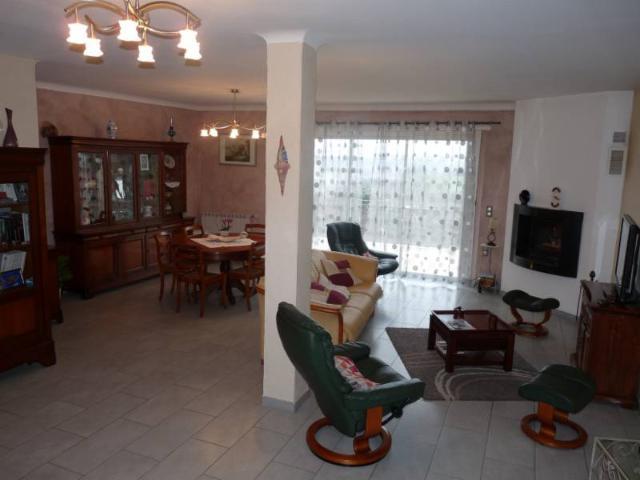 Vente - Maison - Lembeye - 160.00m² - Ref : LEMBEYE CENTRE