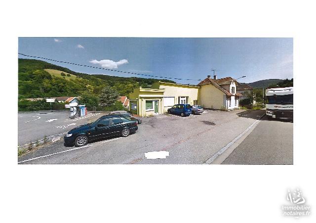 Vente aux Enchères - Immeuble - Lapoutroie - 269.00m² - Ref : Bâtiment commercial et maison d'habitation avec terrain de 14,16 ares