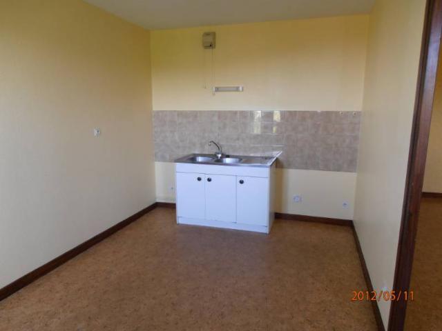 Location - Appartement - Saint-Martin-en-Haut - 57.00m² - 2 pièces - Ref : 2016-2