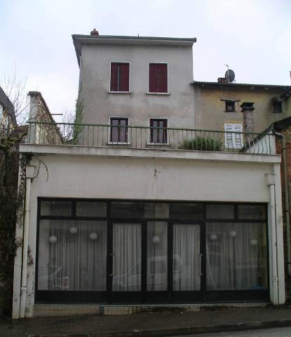 Vente - Maison - Cours - 4 pièces - Ref : B/GUIL