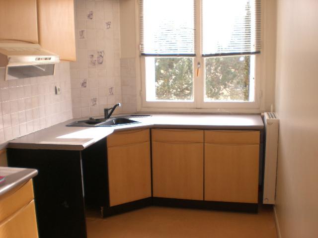 Location - Appartement - CANTELEU - 66 m² - 3 pièces - BERV