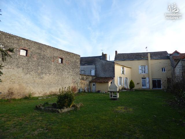 Vente - Maison - Chapelle-Saint-Laurent - 170.0m² - 7 pièces - Ref : CHABO