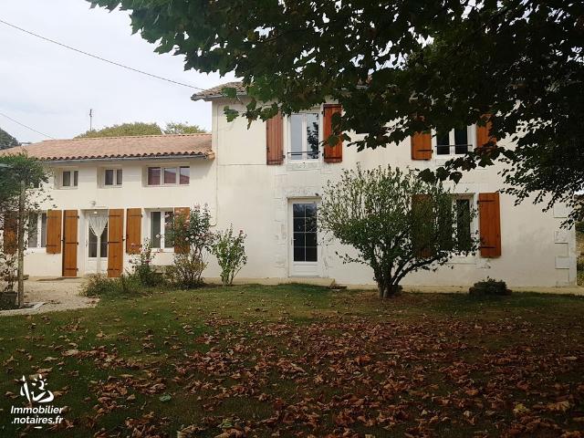 Vente - Maison - Lezay - 190.00m² - 8 pièces - Ref : MR27