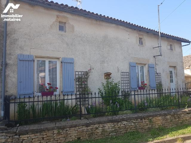 Vente - Maison - Sainte-Soline - 145.0m² - 6 pièces - Ref : MR310