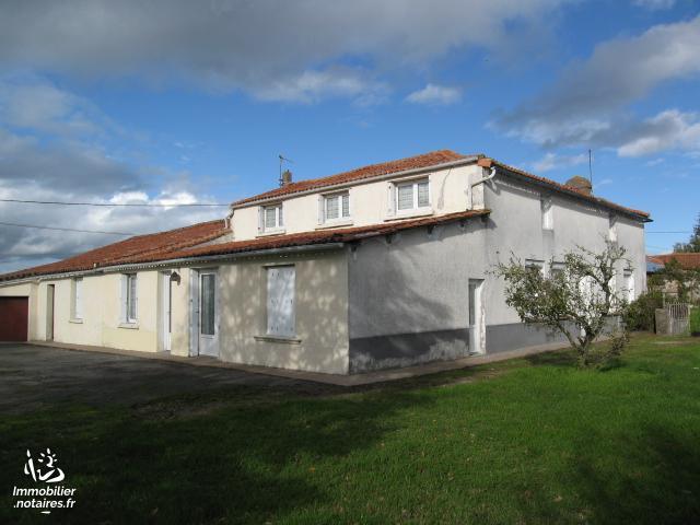 Vente - Maison - Clessé - 163.00m² - 9 pièces - Ref : 350-CLESSE