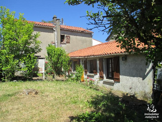 Vente - Maison - Vernoux-en-Gâtine - 118.00m² - 6 pièces - Ref : 2020-021
