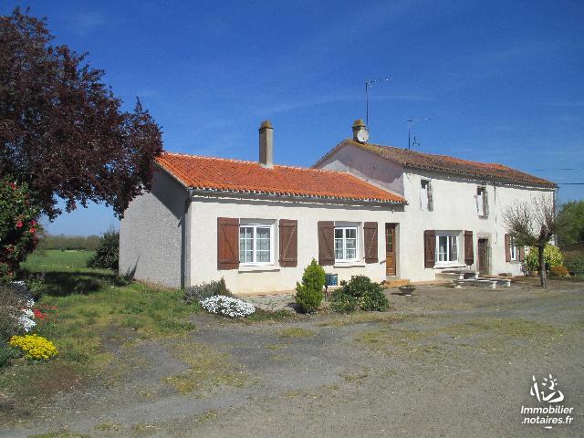 Vente - Maison - Moutiers-sous-Chantemerle - 154.00m² - 7 pièces - Ref : 2019-026