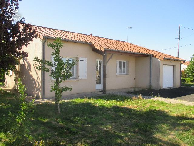 Vente - Maison - Vernoux-en-Gâtine - 100.00m² - 6 pièces - Ref : 2019-040