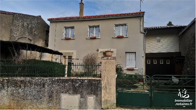 Vente - Maison - Saint-Jean-de-Thouars - 83.00m² - 4 pièces - Ref : 79/BB/410