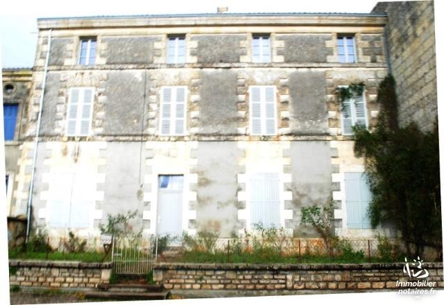 Vente aux Enchères - Maison - Magné - 198.00m² - 9 pièces - Ref : 191233VAE058