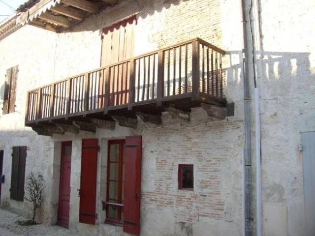 Vente - Maison - Montjoi - 75.00m² - Ref : MAISON VILLE - 530