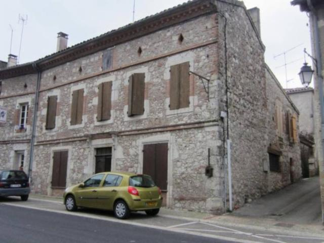 Vente - Maison - Auvillar - 200.00m² - 8 pièces - Ref : MAISON-631