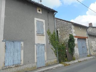 Maison / villa à vendre aux enchères - ST GERVAIS LES TROIS CLOCHERS (86) - 3 pièces- 70 m²