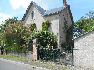 Maison / villa à vendre aux enchères - PLAISANCE (86) - 7 pièces- 182 m²