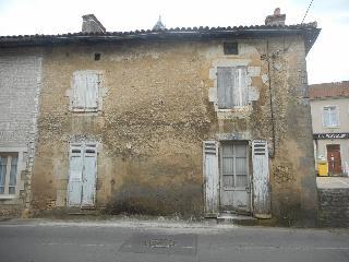 Maison / villa à vendre aux enchères - USSON DU POITOU (86) - 5 pièces- 110 m²