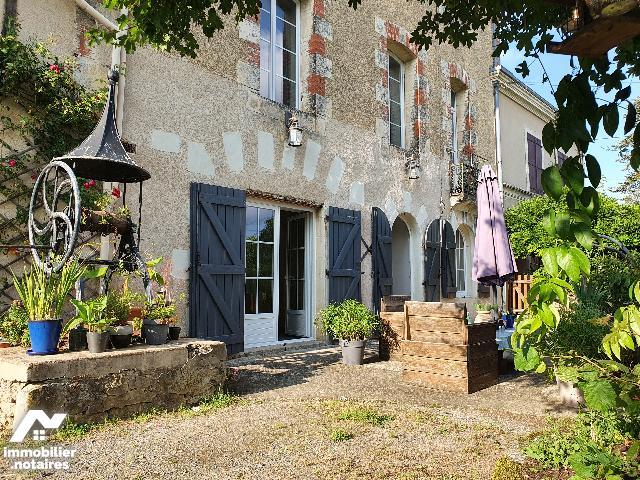 Vente Notariale Interactive - Maison - Roches-Prémarie-Andillé - 200.0m² - 5 pièces - Ref : 2021-09-001